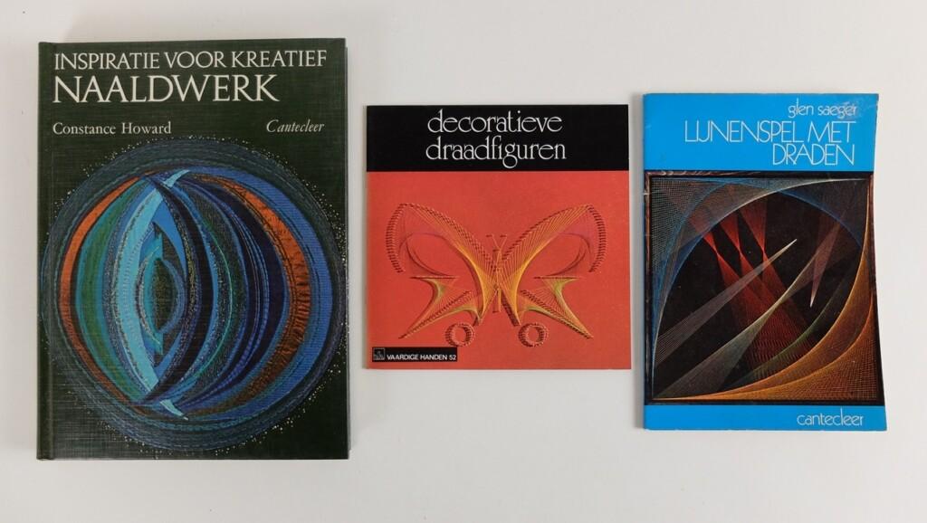 Drie boeken lijnenspel
