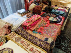 Verkooptafel etnisch handwerk