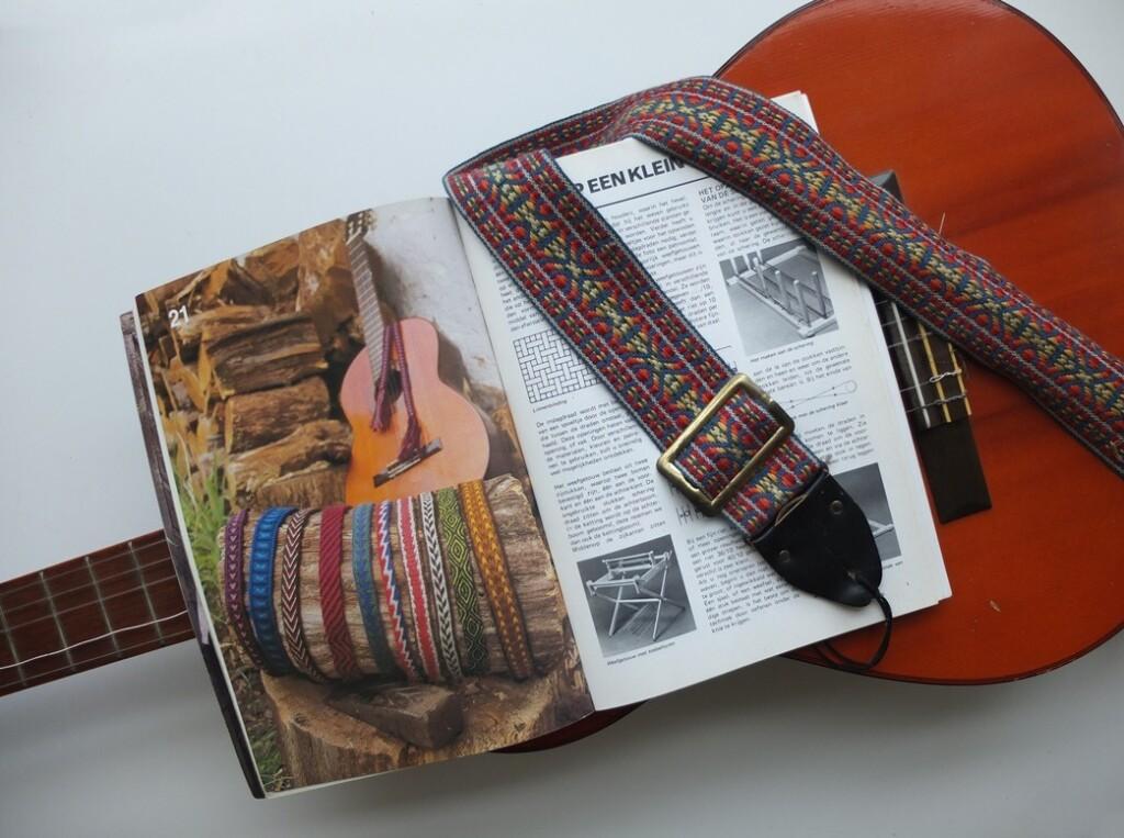 Boek Handweven met geweven gitaarbanden