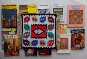 Boeken over weven en kleedje