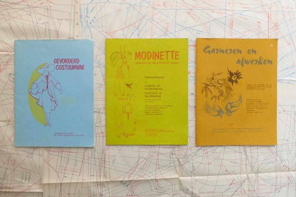 Drie boeken modinette