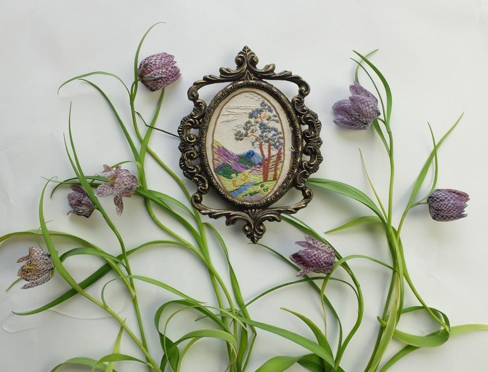 Kievitsbloemen met borduurwerkje