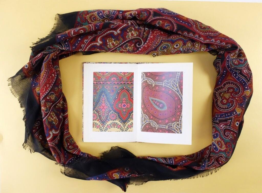 Pagina uit boekje Designs for shawls
