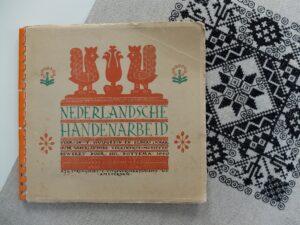 Boek Nederlandsche Handenarbeid