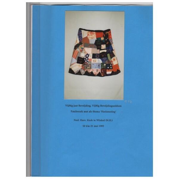 Boekje bij tentoonstelling Bevrijdingsrokken-in-1995