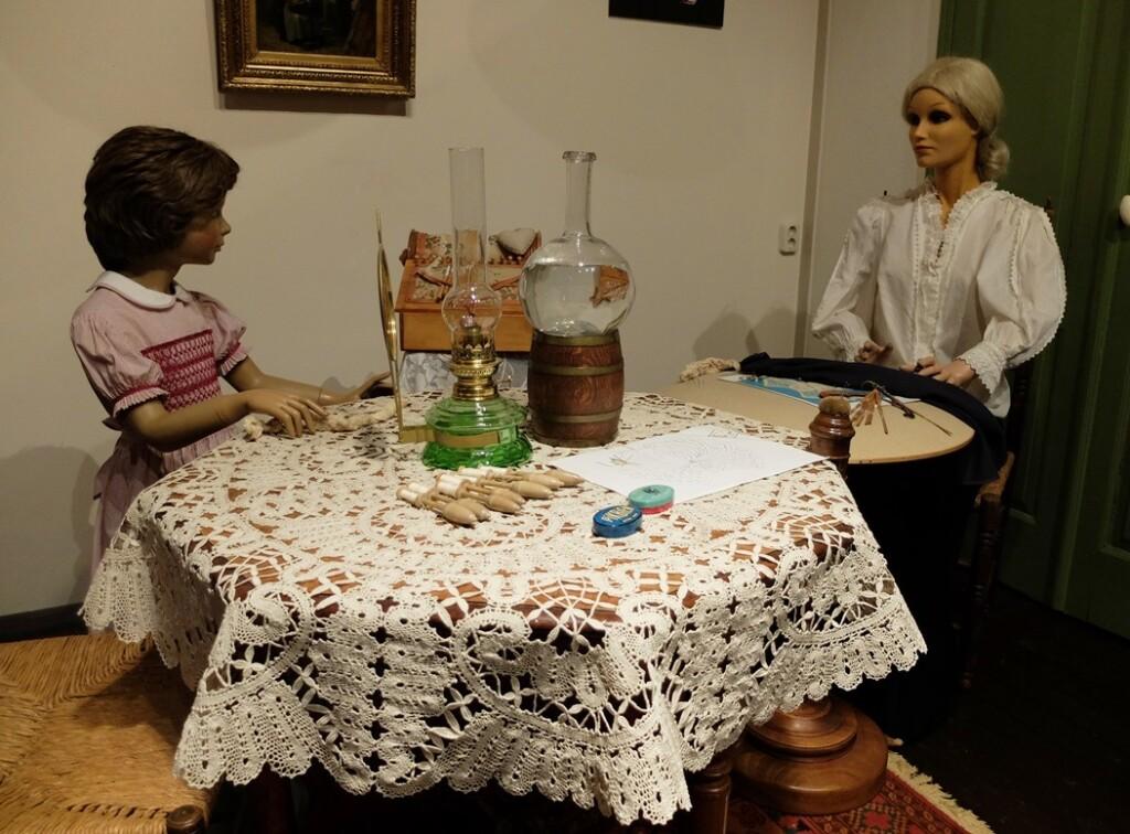 Opstelling Kantklossen in Kijk en Luistermuseum