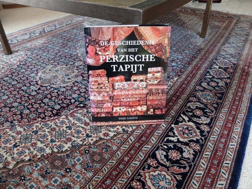 Boek De geschiedenis van het Perzische tapijt