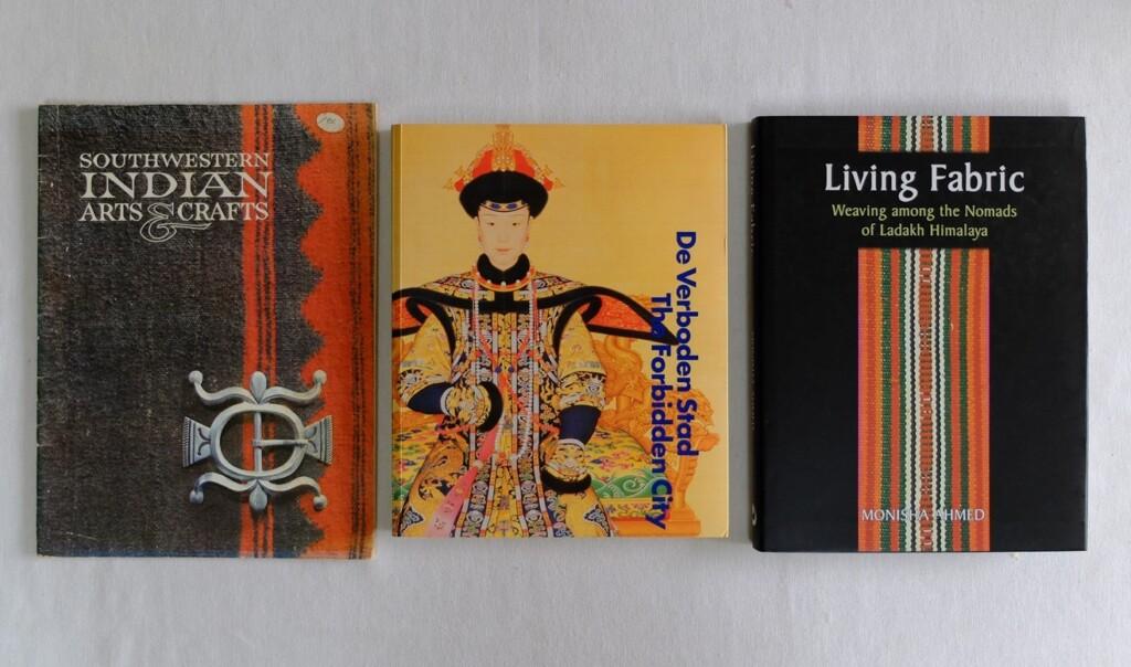Drie boeken etnisch handwerk