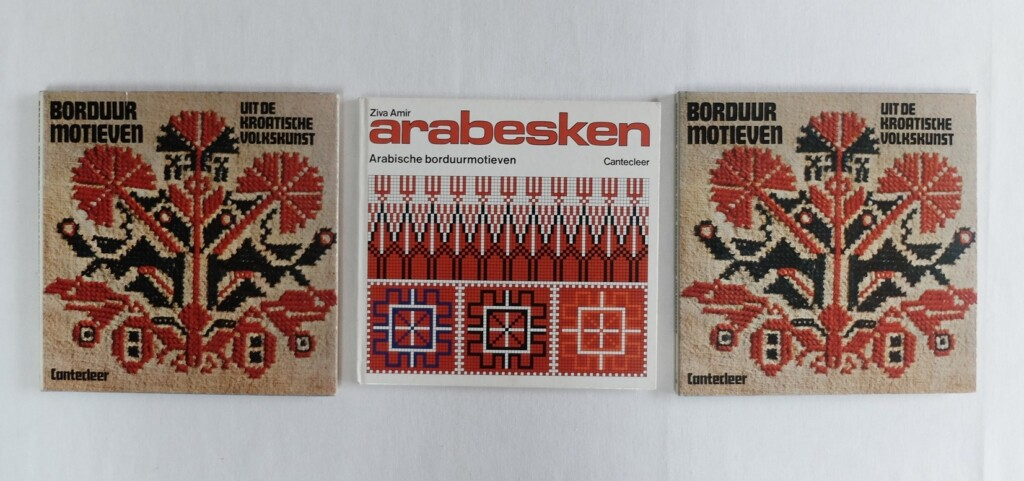 Drie boeken etnische borduurmotieven