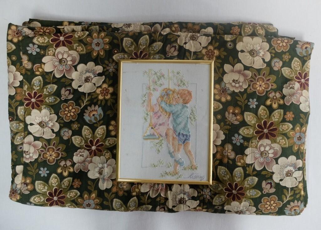 Gestikte deken met borduurwerkje