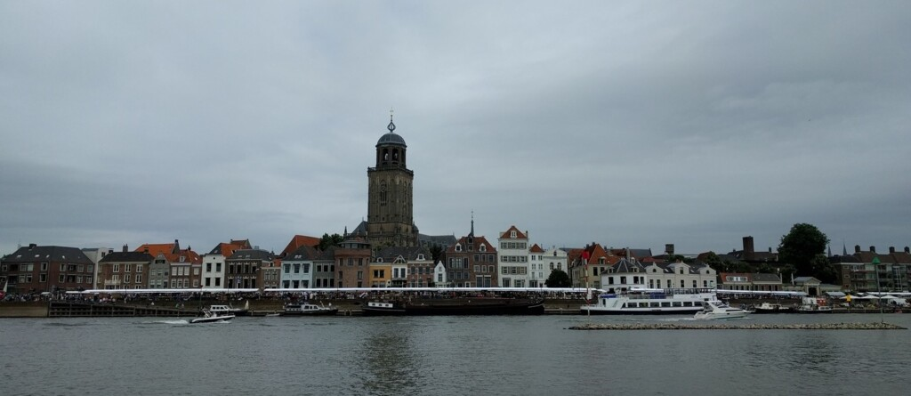 Zicht op Deventer vanaf de Worp