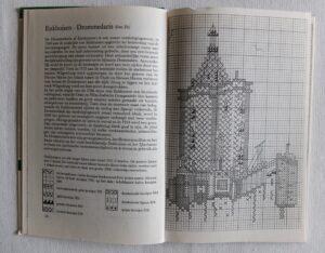 pagina uit boekje monumenten-in-kruissteek(1)