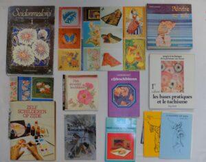 Boeken schilderen op zijde