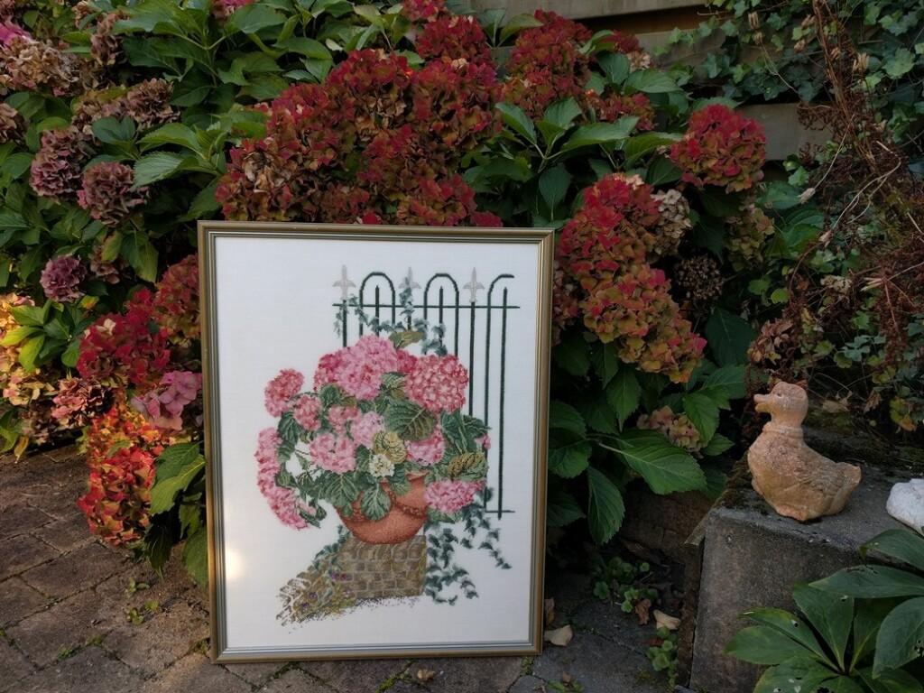 geborduurd schilderij hortensia