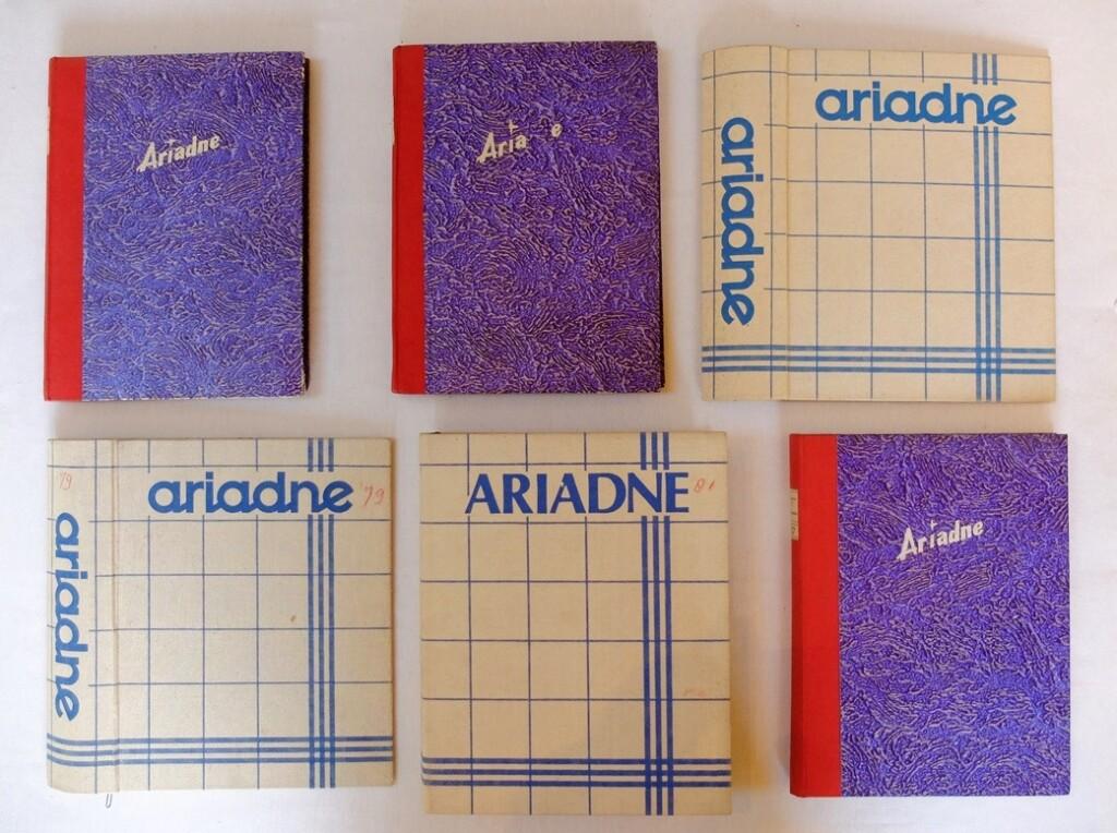 Opbergmappen ingebonden jaargangen Ariadne