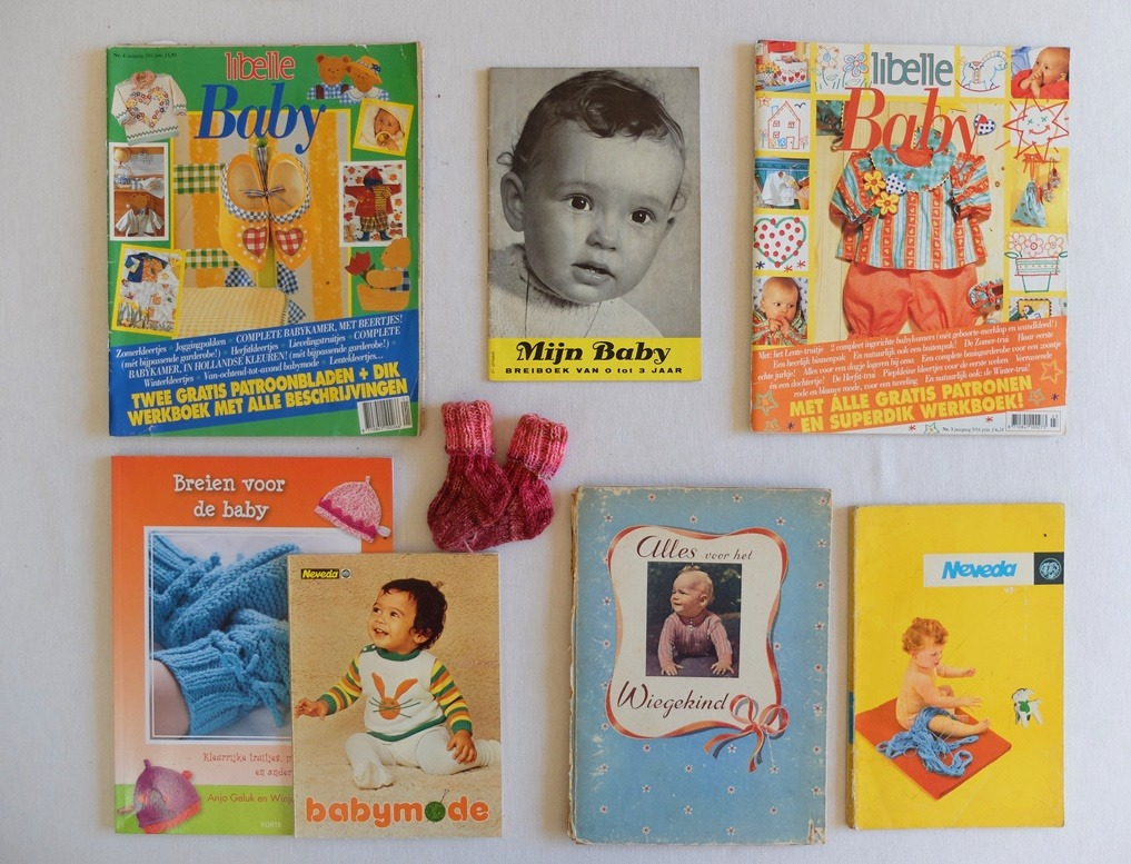 Oude boekjes breien voor baby