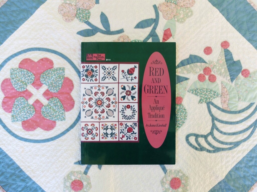 Boek red and green applique