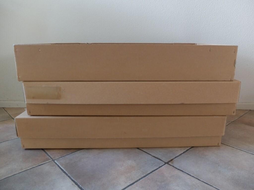 Grote platte dozen