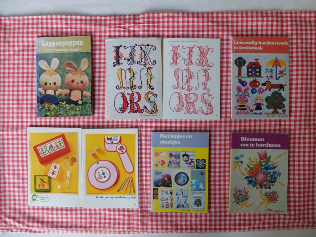 Boekjes kleine borduurpatroontjes